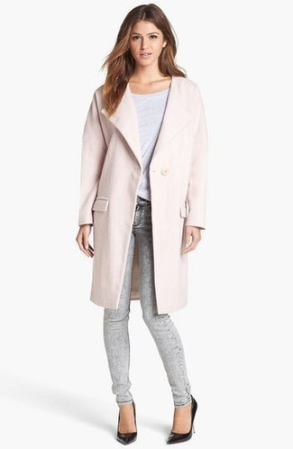 How to wear: pink coat, white crew-neck t-shirt, grey skinny jeans, black leather pumps