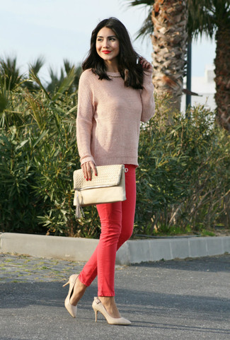 Women's Pink Crew-neck Sweater, Red Skinny Jeans, Beige Leather Pumps, Beige Leather Clutch