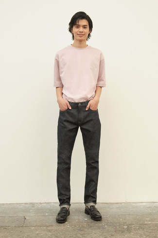 Charcoal Jeans Summer Outfits For Men: This laid-back pairing of a pink crew-neck t-shirt and charcoal jeans can take on different nuances according to the way you style it out. Complete your outfit with a pair of black leather loafers to instantly change up the ensemble. What an obvious pick for hot weather!