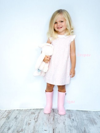 How to wear: pink dress, pink rain boots