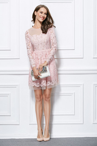 For a nothing less than drool-worthy ensemble, wear a pink lace fit and flare dress. For footwear, opt for a pair of beige leather pumps. A killer combo like this one is just what you need on a hot weather day.