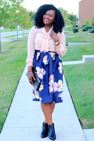 How to wear: pink silk long sleeve blouse, blue floral full skirt, black leather ankle boots, black leather clutch