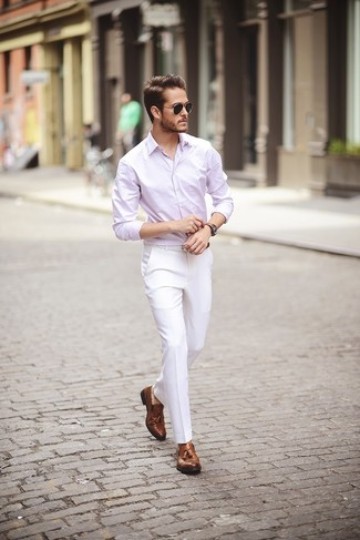 This combination of a Club Monaco Slim Fit End On End Shirt and white dress pants oozes masculinity and refined elegance. Finish off your getup with brown leather tassel loafers. As full-blown summer settled in, it's time for easy and breezy ensembles like this one.