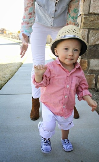 How to wear: pink long sleeve shirt, white trousers, white sneakers, beige hat