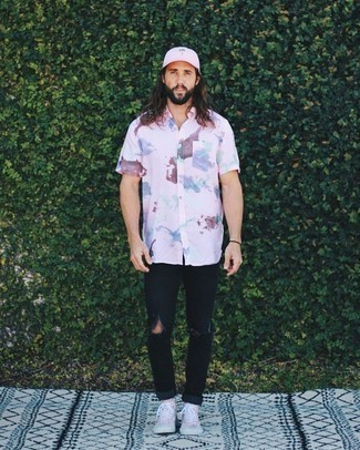 How to Wear a Pink Baseball Cap For Men: A pink tie-dye short sleeve shirt and a pink baseball cap are a city casual pairing that every modern gent should have in his menswear collection. Finishing with a pair of pink canvas high top sneakers is an easy way to inject a dash of polish into your look.