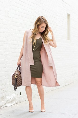 How to wear: pink sleeveless coat, olive bodycon dress, beige leather pumps, dark brown leather duffle bag