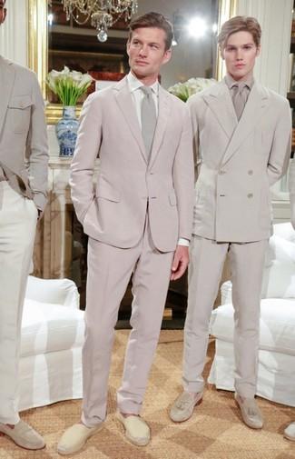 How to wear: pink suit, white dress shirt, beige canvas espadrilles, beige tie