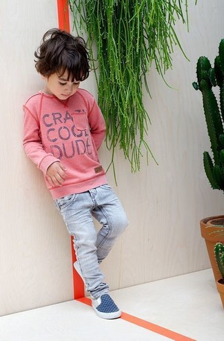 Boys' Looks & Outfits: What To Wear In 2020: People will drool all over your little man if he is dressed in this combo of a pink sweater and light blue jeans. Finish off this style with navy sneakers.