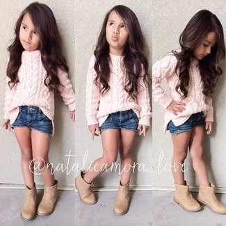 How to wear: pink sweater, navy denim shorts, tan boots