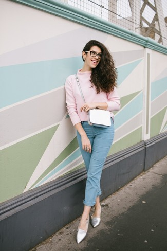 How to wear: pink turtleneck, light blue jeans, silver leather loafers, white leather crossbody bag