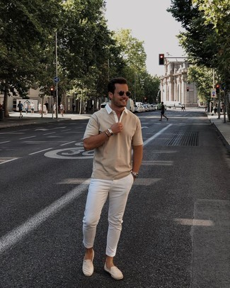 Beige Canvas Espadrilles Outfits For Men: Wear a beige polo and white chinos to create a casual and cool getup. Beige canvas espadrilles are the perfect companion for your look.
