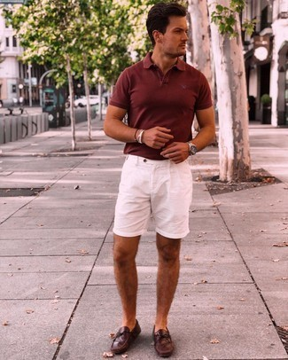White Shorts Casual Outfits For Men: Why not try teaming a tobacco polo with white shorts? These two items are very comfortable and will look awesome when matched together. When it comes to shoes, this getup pairs well with burgundy leather driving shoes.