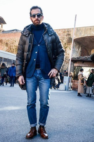 How to Wear a Black Puffer Coat For Men: To achieve a casual ensemble with a modernized spin, you can dress in a black puffer coat and blue jeans. If you need to immediately up the style ante of this outfit with shoes, why not complement your look with brown leather derby shoes?