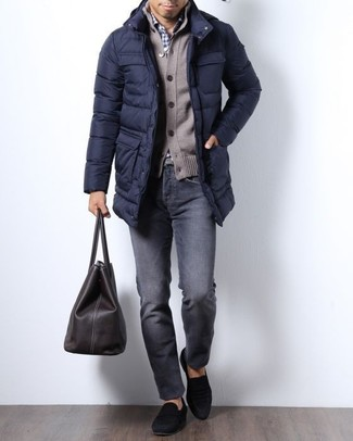 How to wear: navy puffer coat, brown cardigan, white and navy gingham dress shirt, charcoal jeans