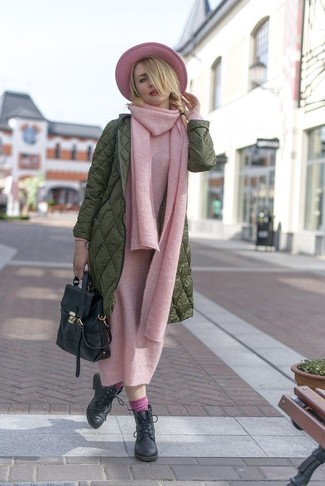 How to Wear Pink Socks For Women: Marry an olive puffer coat with pink socks for an off-duty and trendy look. Avoid looking too casual by finishing off with black leather lace-up ankle boots.