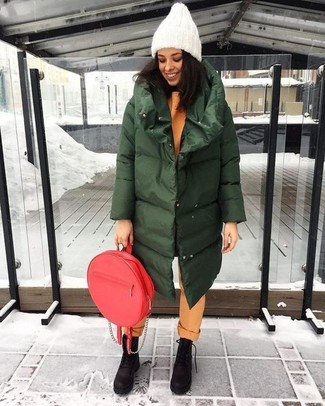 How to Wear a Burgundy Backpack For Women: A dark green puffer coat and a burgundy backpack are the kind of a foolproof casual outfit that you need when you have zero time. Finishing with a pair of dark brown chunky nubuck lace-up flat boots is a surefire way to infuse an extra touch of refinement into your look.