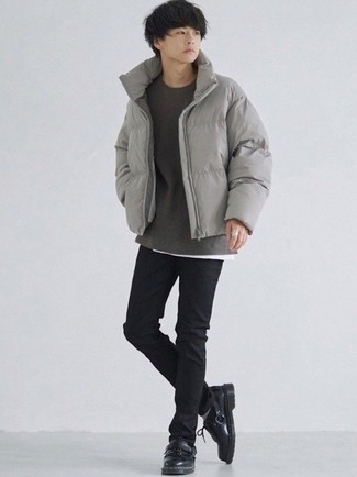 1200+ Outfits For Men In Their Teens: A grey puffer jacket and black skinny jeans are absolute menswear essentials that will integrate perfectly within your casual styling collection. Introduce black leather derby shoes to the equation for an added touch of polish. Gents who are curious how to pull off classic and casual dressing as you move through your adolescence, this outfit should answer your question.