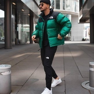 Black Sweatpants Outfits For Men: Try teaming a green puffer jacket with black sweatpants to achieve a casually stylish look. Our favorite of a multitude of ways to round off this look is a pair of white canvas low top sneakers.