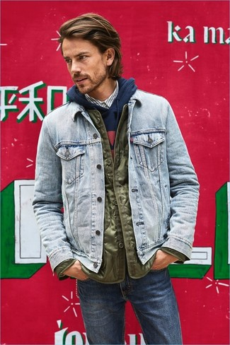 How to Wear a Light Blue Denim Jacket For Men: For an ensemble that's pared-down but can be worn in many different ways, rock a light blue denim jacket with navy jeans.