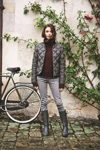 If you're a fan of classic pairings, then you'll like this combination of a dark red rollneck and grey jeans. Dress down this getup with charcoal rain boots.