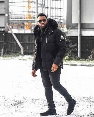 Puffer Jacket Outfits For Men: If you use a more laid-back approach to dressing up, why not choose a puffer jacket and black skinny jeans? If you feel like dialing it up, complement your look with a pair of black suede chelsea boots.