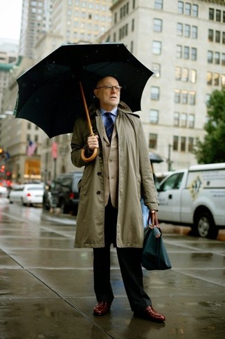 How to wear: olive raincoat, beige blazer, light blue dress shirt, black dress pants