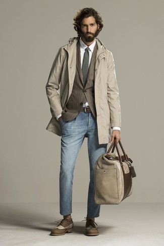 Dark Brown Leather Belt Outfits For Men: Dress in a beige raincoat and a dark brown leather belt for a cool and stylish getup. When it comes to shoes, go for something on the classier end of the spectrum by finishing off with a pair of brown leather brogues.