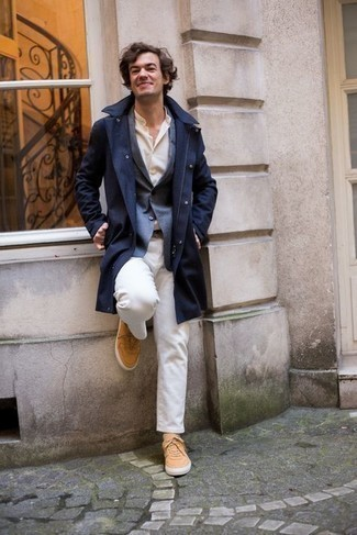 Beige Socks Outfits For Men: If you're on the lookout for a city casual yet dapper getup, consider wearing a navy raincoat and beige socks. Play down the casualness of your look by wearing tobacco canvas low top sneakers.