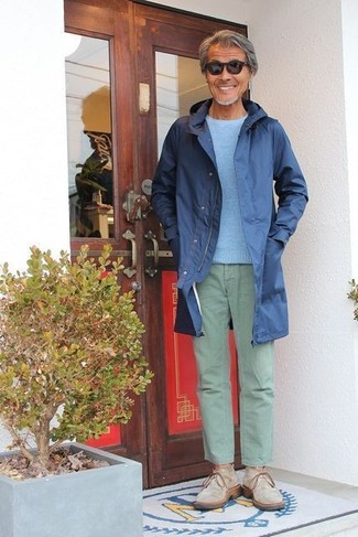 How to wear: navy raincoat, light blue crew-neck sweater, mint chinos, beige suede desert boots