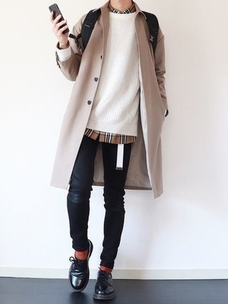 White Canvas Belt Outfits For Men: If you feel more confident wearing something functional, you'll appreciate this street style combination of a beige raincoat and a white canvas belt. A good pair of black leather derby shoes is an effective way to bring an element of sophistication to this ensemble.