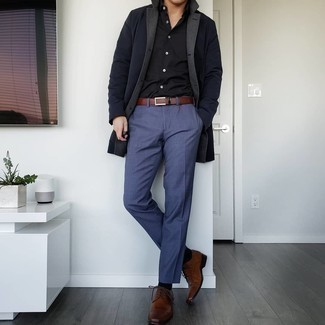 Brown Leather Belt Outfits For Men: To assemble a casual getup with a clear fashion twist, go for a black raincoat and a brown leather belt. For something more on the smart side to finish your getup, complete your ensemble with brown leather derby shoes.