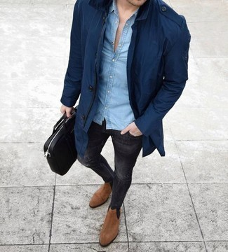 How to Wear a Black Leather Briefcase: Pairing a navy raincoat with a black leather briefcase is a savvy option for a cool and casual ensemble. If you want to effortlessly up your look with one piece, complement your getup with tan suede chelsea boots.