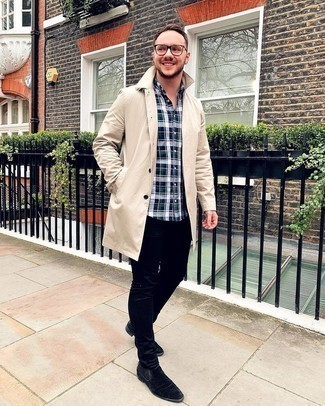 Multi colored Plaid Long Sleeve Shirt Outfits For Men: Pair a multi colored plaid long sleeve shirt with black skinny jeans for an unexpectedly cool outfit. If you want to feel a bit classier now, introduce a pair of black suede chelsea boots to the mix.