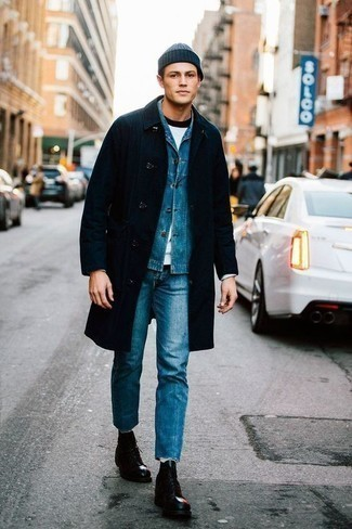 How To Wear a Crew-neck T-shirt With Casual Boots For Men: For relaxed dressing with a modern twist, try pairing a crew-neck t-shirt with blue jeans. And if you need to easily perk up your look with shoes, why not grab a pair of casual boots?