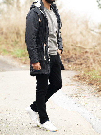 Grey Sweatshirt Outfits For Men: If you would like take your off-duty fashion game to a new level, make a grey sweatshirt and black jeans your outfit choice. When not sure as to the footwear, stick to a pair of white canvas low top sneakers.