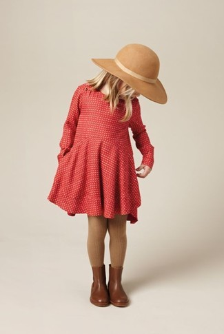 How to wear: red dress, brown leather boots, beige hat, brown tights