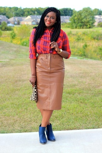 Tan Leopard Suede Clutch Dressy Outfits In Their 20s: If you're all about comfort dressing when it comes to fashion, you'll appreciate this incredibly stylish combination of a red plaid dress shirt and a tan leopard suede clutch. Bring a more elegant twist to this look by rocking a pair of blue leather ankle boots.
