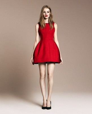 Without any doubt, you'll look outrageously gorgeous in a red fit and flare dress. When it comes to footwear, this getup is complemented nicely with black suede pumps. This one will play especially nice when real summer weather settles in.