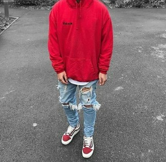 How to wear: red hoodie, white crew-neck t-shirt, light blue ripped skinny jeans, red suede low top sneakers