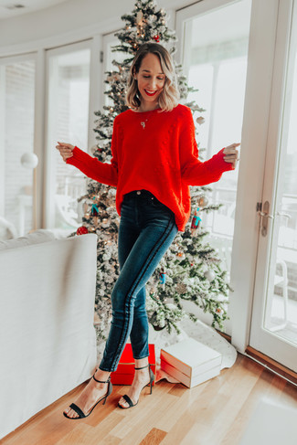 How to Wear a Knit Oversized Sweater: Swing into something comfy yet on-trend with a knit oversized sweater and teal skinny jeans. And if you wish to easily polish up this look with shoes, why not complete this getup with a pair of black suede heeled sandals?