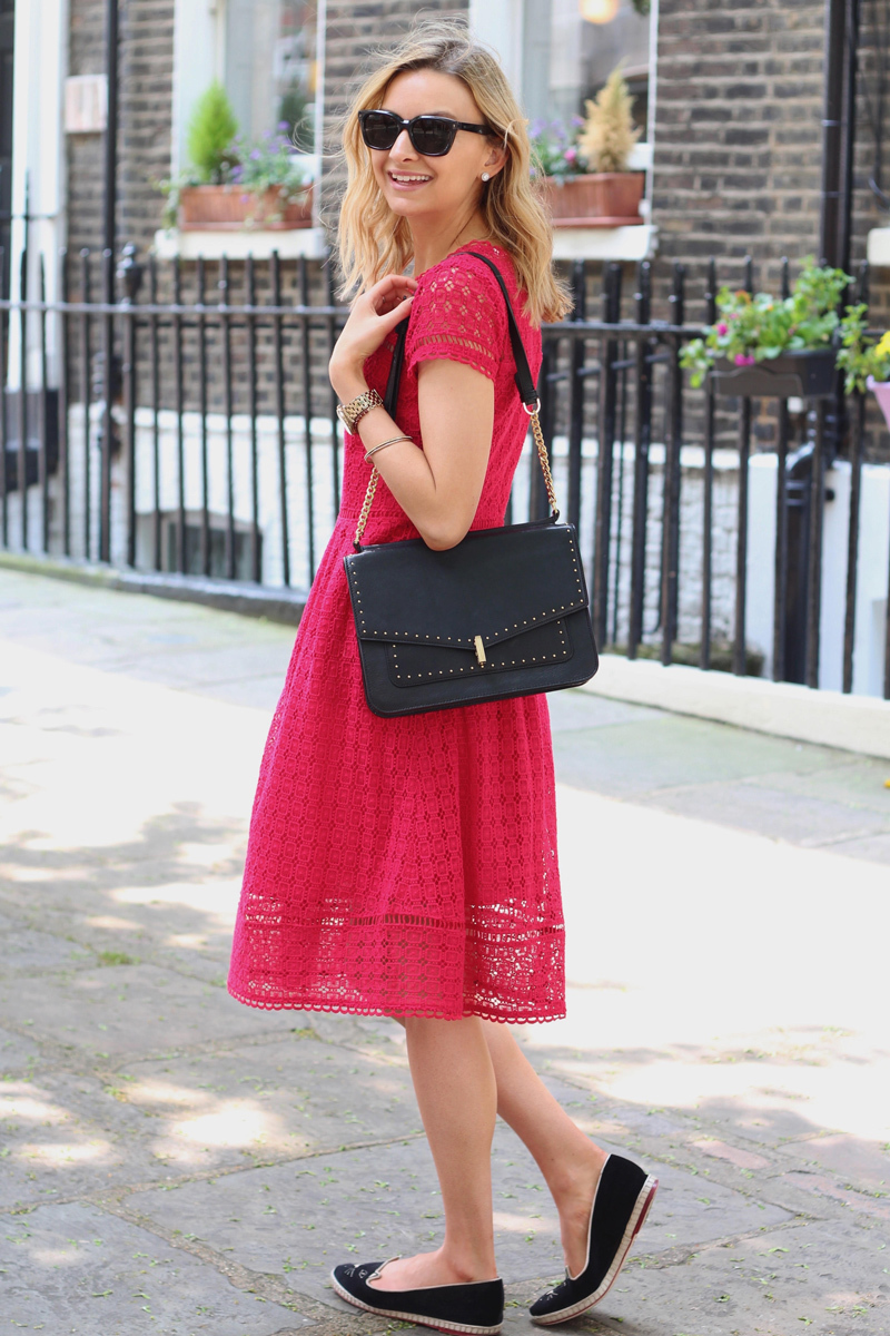 Which Ballerina Shoes To Wear With A Red Midi Dress 3 Looks