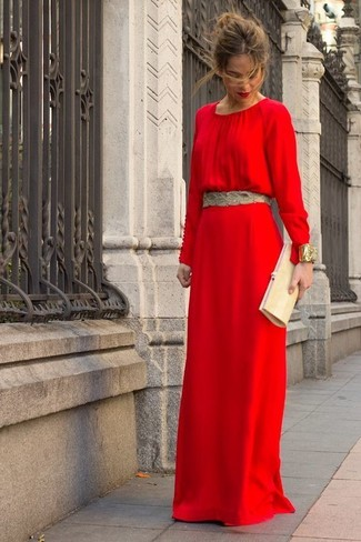 Gold Clutch Casual Outfits: This laid-back pairing of a red maxi dress and a gold clutch can only be described as incredibly stylish.