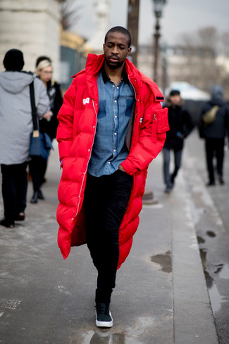 How to Wear Black and White Leather High Top Sneakers For Men: Wear a red parka with black sweatpants to assemble an interesting and modern-looking laid-back outfit. A pair of black and white leather high top sneakers can integrate effortlessly within a multitude of looks.