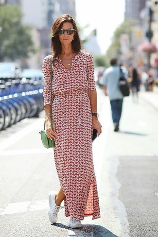 How to Wear a Burgundy Print Maxi Dress: Want to inject your wardrobe with some fashion-forward cool? Consider wearing a burgundy print maxi dress. If in doubt as to the footwear, complement your ensemble with a pair of white leather low top sneakers.