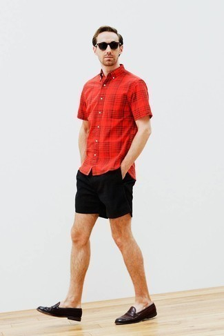 Black Shorts Outfits For Men: Reach for a red plaid short sleeve shirt and black shorts to pull together an interesting and current casual ensemble. Complement your look with dark brown leather loafers to effortlessly amp up the classy factor of any ensemble.
