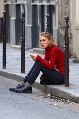 How to wear: red turtleneck, navy skinny jeans, black chunky leather oxford shoes, grey socks