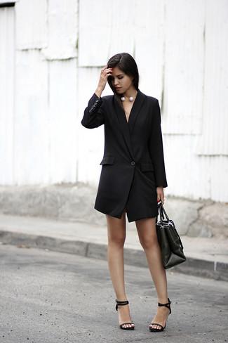 Opte pour une robe smoking noire Missguided et tu auras l air superbe en  tout b84460cf843e