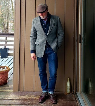 Men's Outfits 2020: Combining a navy shawl cardigan with a white and navy check long sleeve shirt is an awesome option for a casually smart outfit.