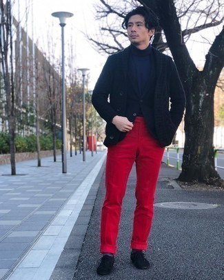Navy Shawl Cardigan Outfits For Men: When it comes to high-octane class, this pairing of a navy shawl cardigan and red dress pants is the ultimate style. Add black suede oxford shoes to your outfit and off you go looking awesome.