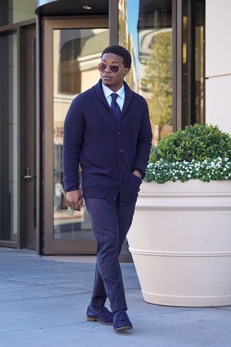 Men's Looks & Outfits: What To Wear In 2020: If you're seeking to take your casual fashion game up a notch, team a navy shawl cardigan with navy vertical striped chinos. And if you need to immediately perk up this getup with a pair of shoes, why not complete your look with navy suede tassel loafers?